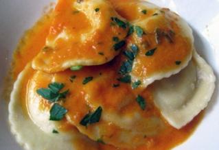 Ravioles con salsa de tomate Raviol10