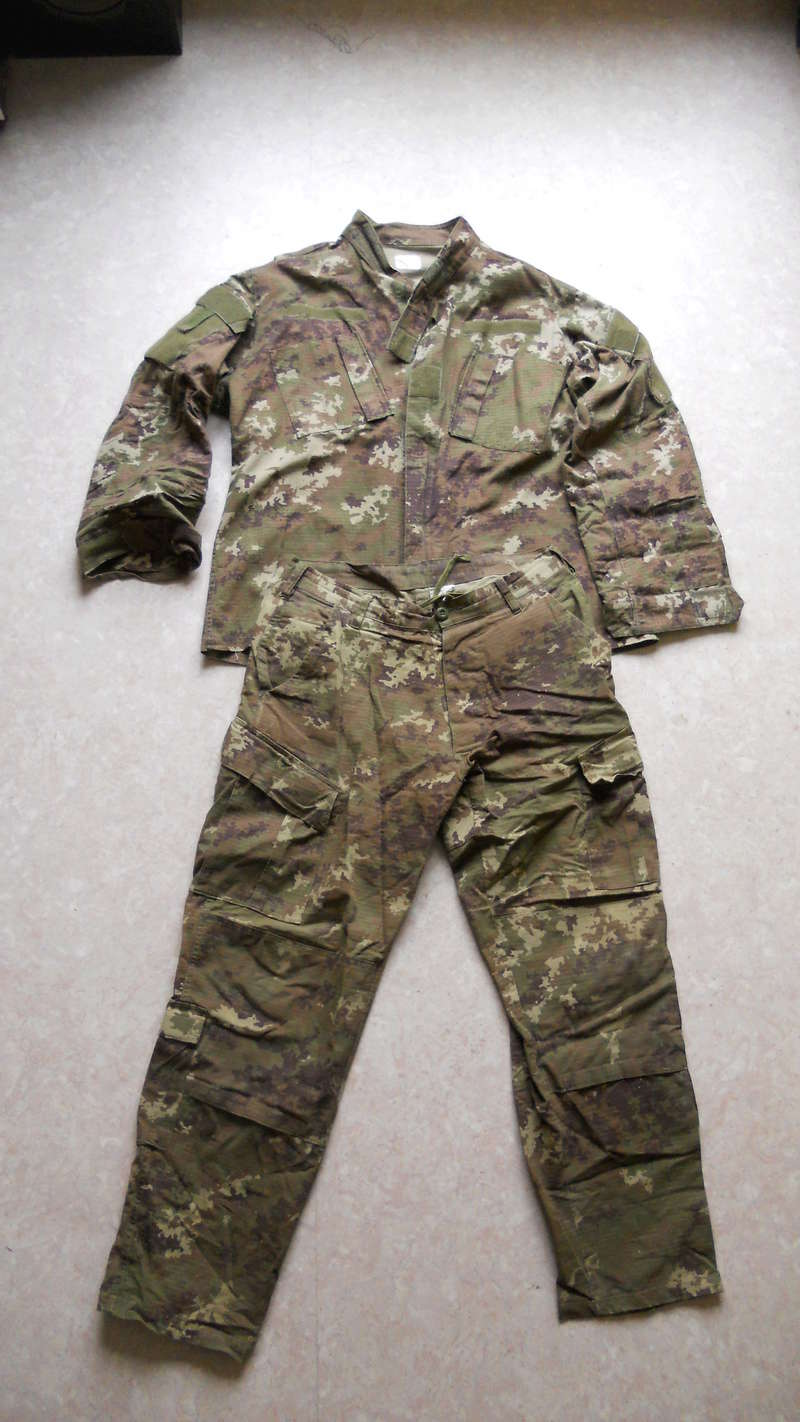 [VENTE] ACCESSOIRES AK / Tenue vegetato / M-PACT Mechanix- Multicam / MP5 Cyma / M4 / Ak74u / Beretta & stuff Dscn3911