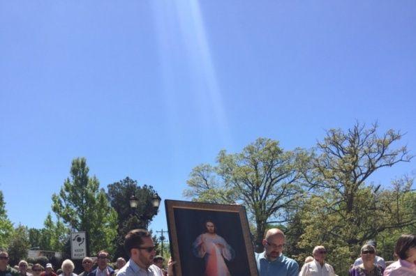 Phép Lạ Tia Sáng Lòng Chúa Thương Xót Lctxan10
