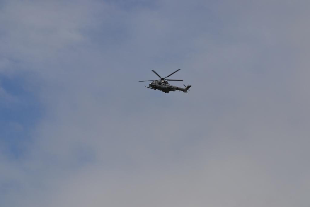 [ Aéronavale divers ] Hélicos dans le Cap Sizun Dsc_1615