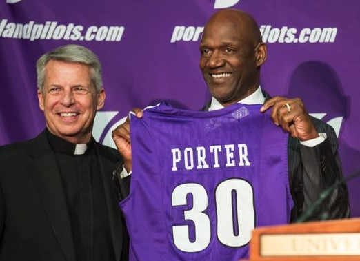 Live stream of the Coach Terry Porter Press Conference!  00003510