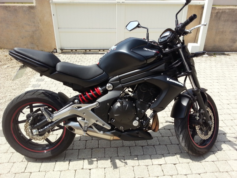 ER6 N Noire et rouge  20160511
