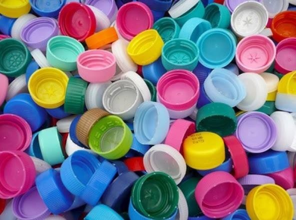 Recyclage des bouchons en plastique Image179