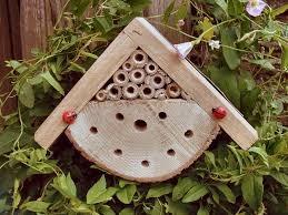 Comment fabriquer des hotels pour insectes et amis du jardinier Image34