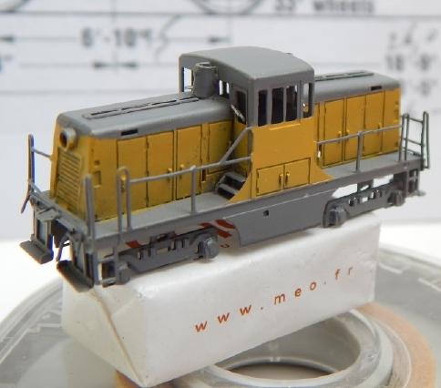 Un GE 44 ton en Z Ge44_315
