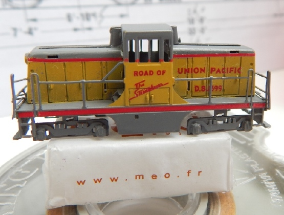 Un GE 44 ton en Z Ge44_316