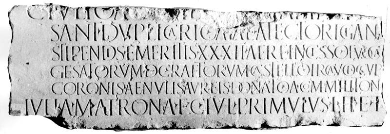 Des quinaires gaulois portant le nom de tonton Jules  16010110