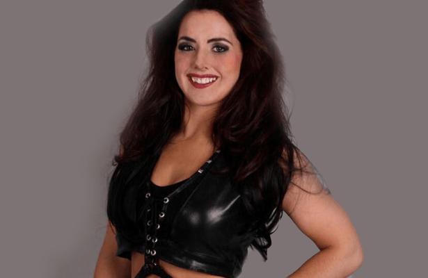 [Contrat] 4 arrivées à la WWE, une lutteuse et une annonceuse à suivre ? Nikkis10