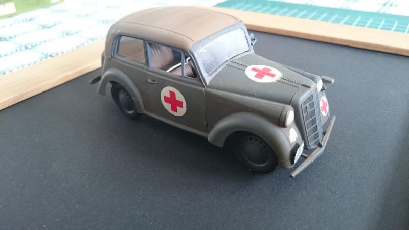 Opel véhicule de liaison ambulance 1/35 Bronco Opel_b13