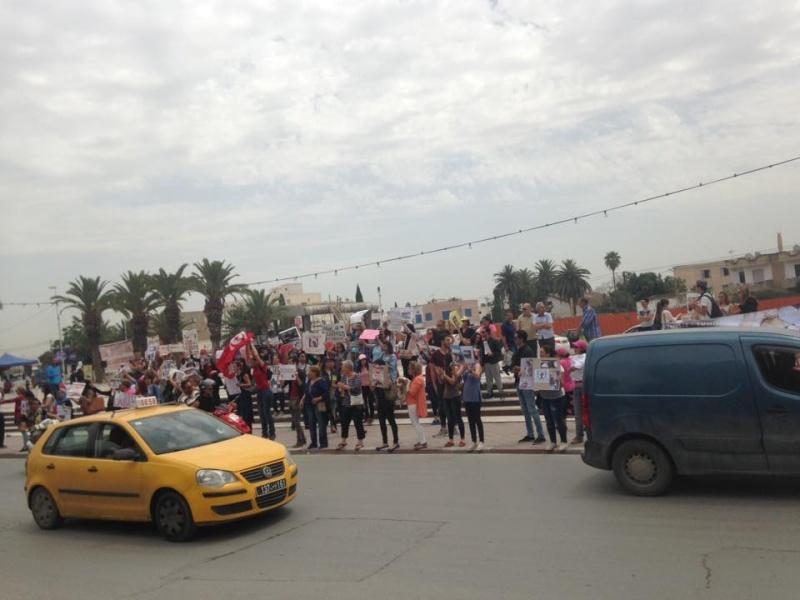 MASSACRES à CIEL OUVERT en Tunisie - Page 2 Manif_64