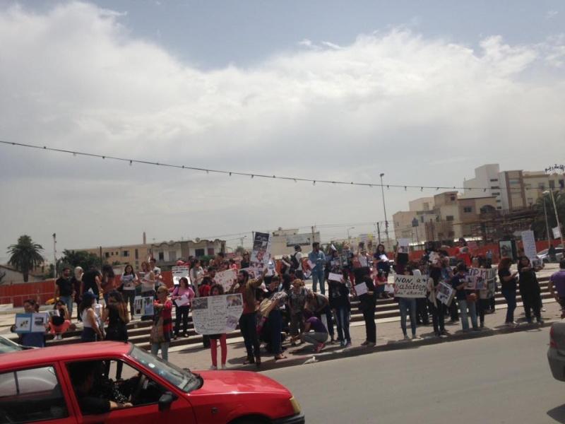 MASSACRES à CIEL OUVERT en Tunisie - Page 2 Manif_65