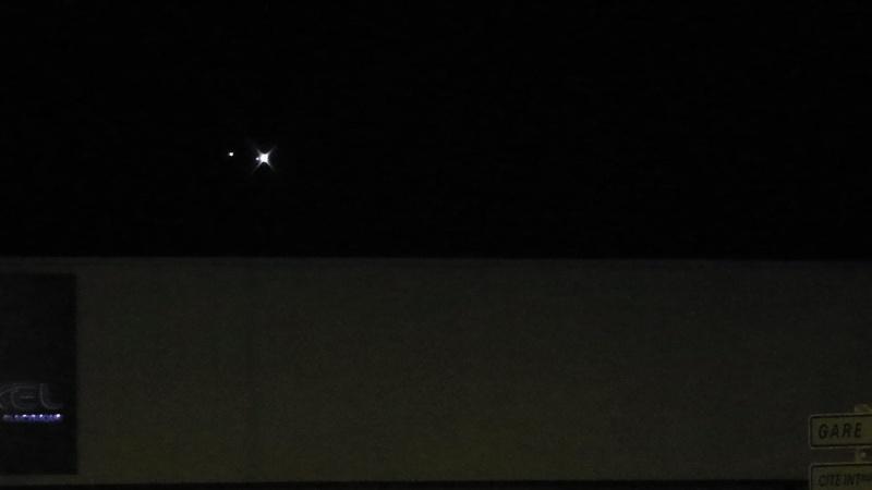2014: le13 octobre  /vers 22h30  - 4 grosses lumières rouges  Ovnis à Nantes (44) Pays de Loire -  - Page 4 8_bali10