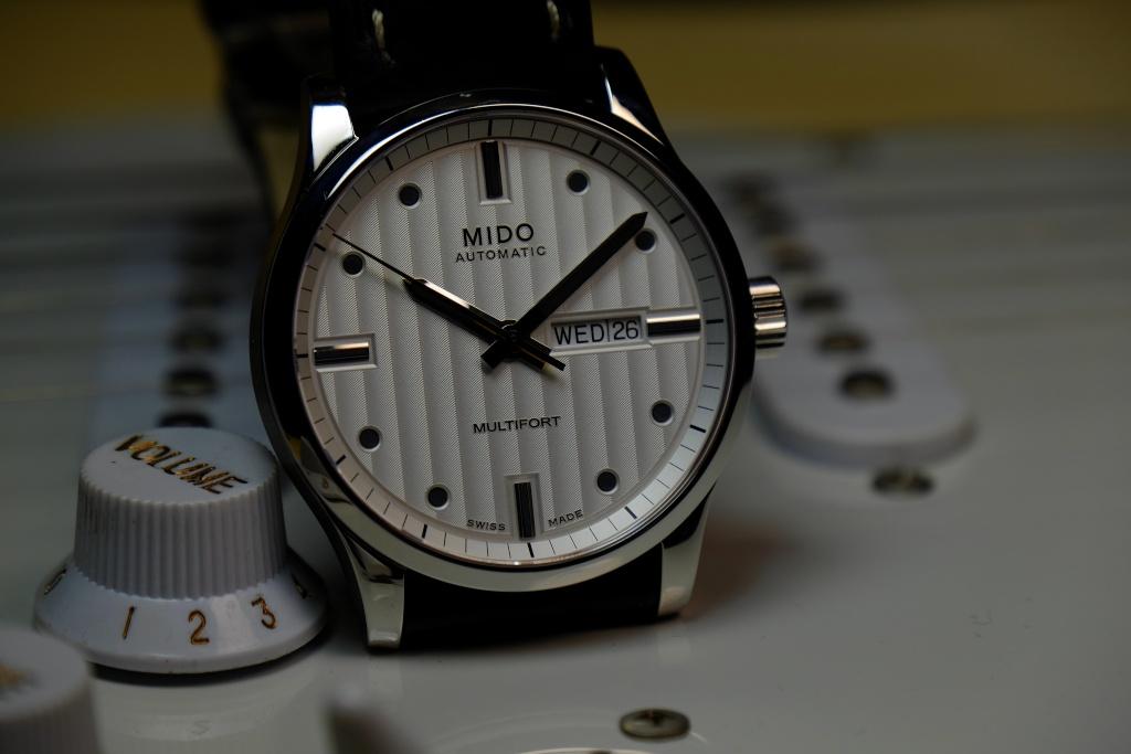 Mido - Le club des heureux propriétaires de Mido - Page 2 Dscf3811