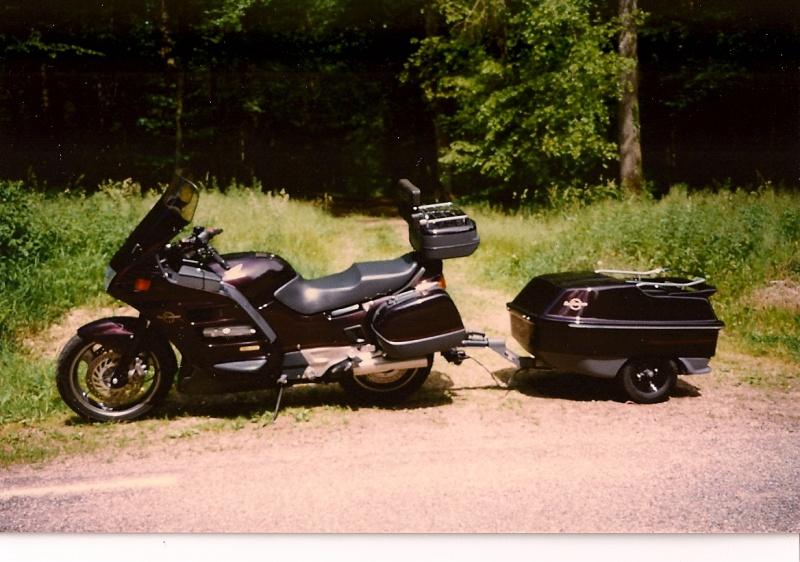 Une remorque derrière votre moto ? : tout ce qu'il faut savoir Sc000010