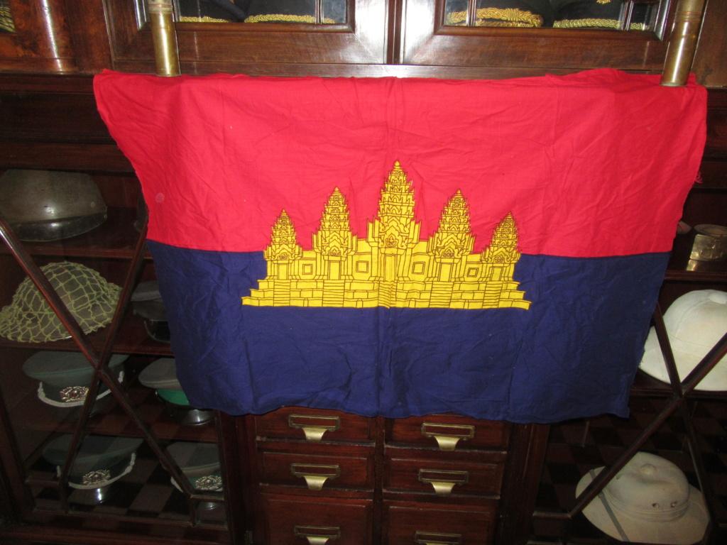 Kampuchéa démocratique contre Kampuchéa populaire Img_0210