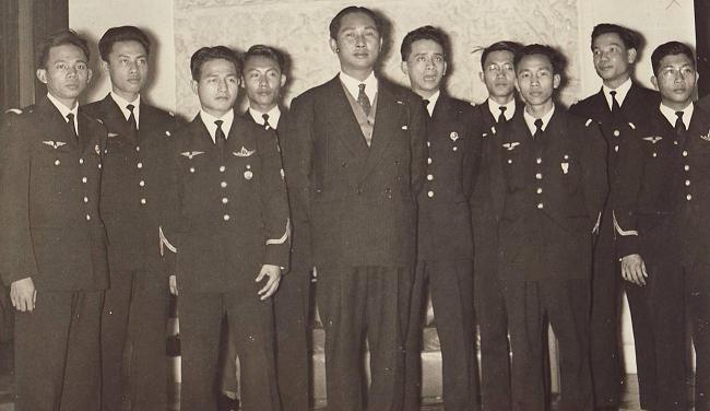 Royaume du Cambodge (1953 - 1970) : Aviation Royale Khmère  Sousof10