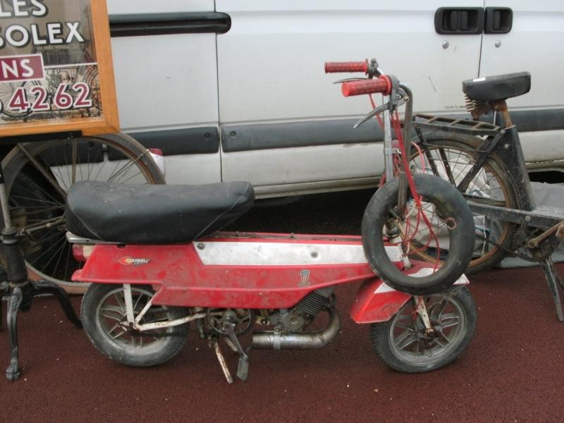 bourse auto moto cyclo tracteur ...de Courtenay Pict0728