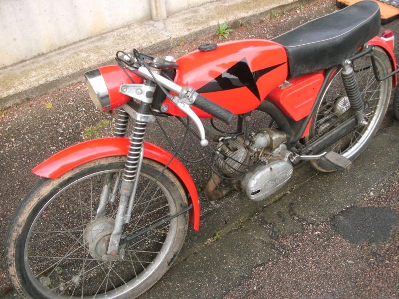 bourse auto moto cyclo tracteur ...de Courtenay Pict0731