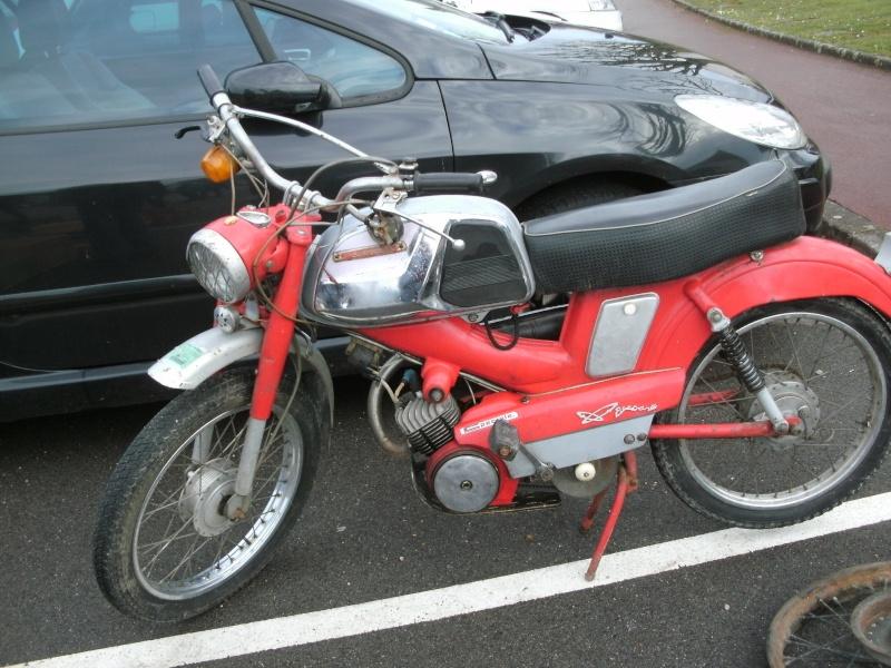 bourse auto moto cyclo tracteur ...de Courtenay Pict0733
