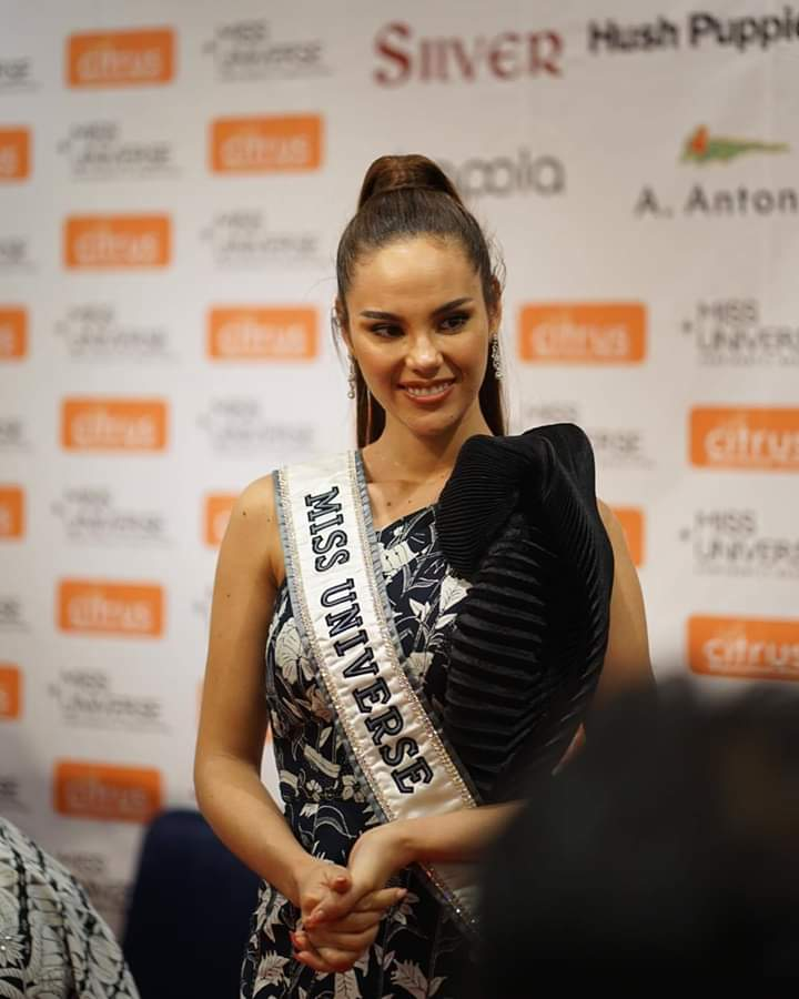 ♔ The Official Thread of MISS UNIVERSE® 2018 Catriona Gray of Philippines ♔ - Page 13 Fb_im406