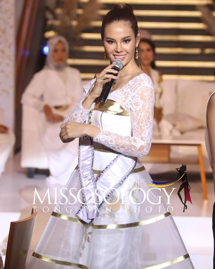 ♔ The Official Thread of MISS UNIVERSE® 2018 Catriona Gray of Philippines ♔ - Page 13 Fb_im409