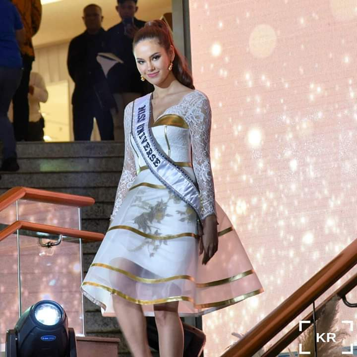 ♔ The Official Thread of MISS UNIVERSE® 2018 Catriona Gray of Philippines ♔ - Page 13 Fb_im425