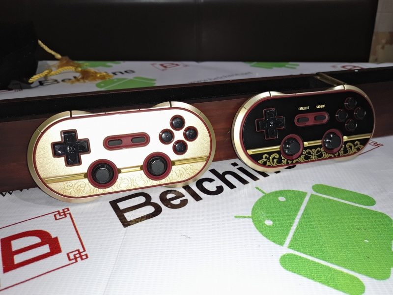 8Bitdo FC30 Pro 'Year of the Monkey Edition' Fc30_p17