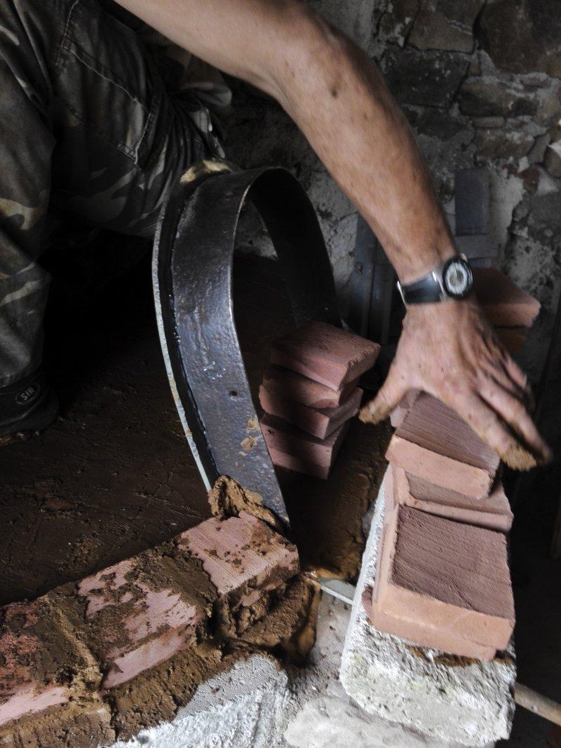Costruzione piccolo forno a legna Img_2025