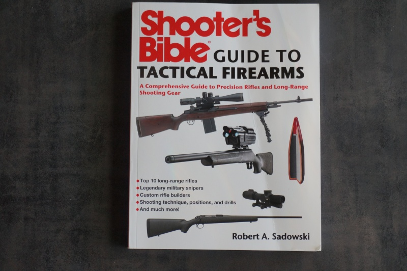 Shooter's Bible - Guide to Tactical Fireamrs - Dsc01231
