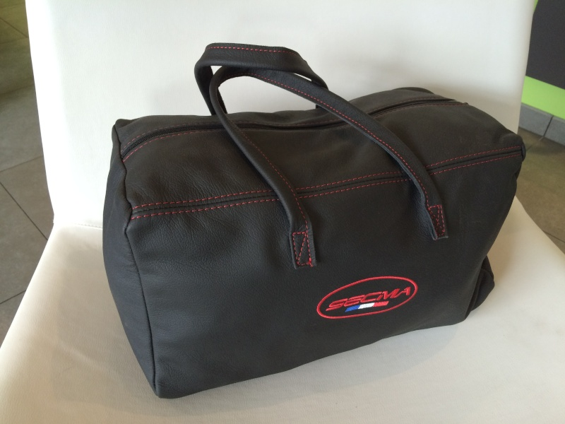 Gamme de bagagerie cuir SECMA - Vos avis ? Img_4011