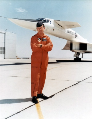 Disparition du pilote d'essais Joe Cotton (1922-2016) Cotton11