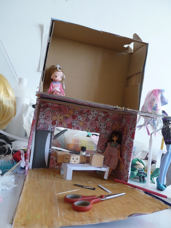 [Diorama]Mini immeuble pour les petite 1/12! P1030322
