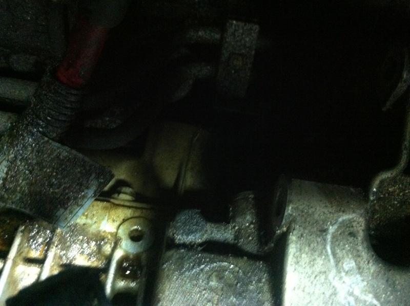 [ bmw E46 328 ci Boite Auto M52 an 2000 ] fuite d'huile importante (résolu) Img_2517