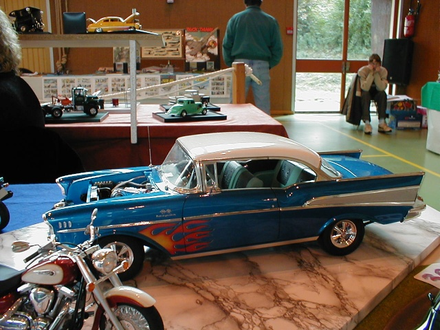 Chevy 57 by FORD FAN Pa120010
