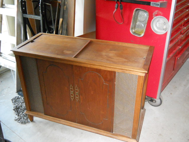 Restoration on Magnavox Stereo Model 1ST616 11610