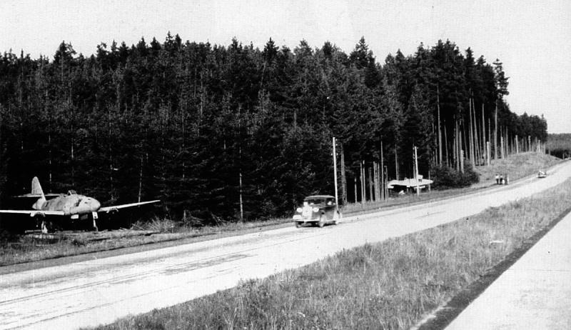 """Me 262 """" Schwalbe """" Allemagne - 1945 1-me-210"""