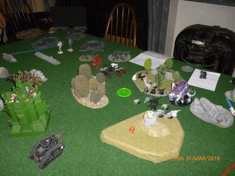 Mini-campagne en cours : L'attaque de la planète Gryphonys VII (Tyranides VS GI) P1030617