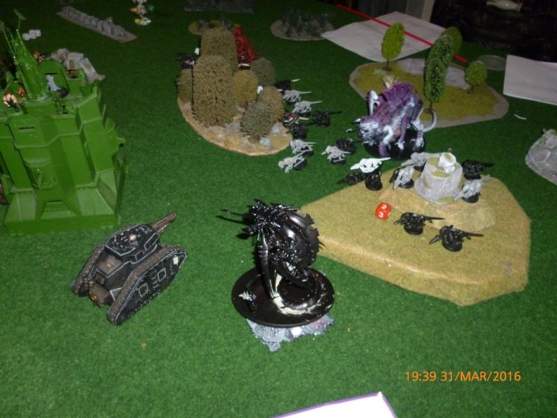 Mini-campagne en cours : L'attaque de la planète Gryphonys VII (Tyranides VS GI) P1030618