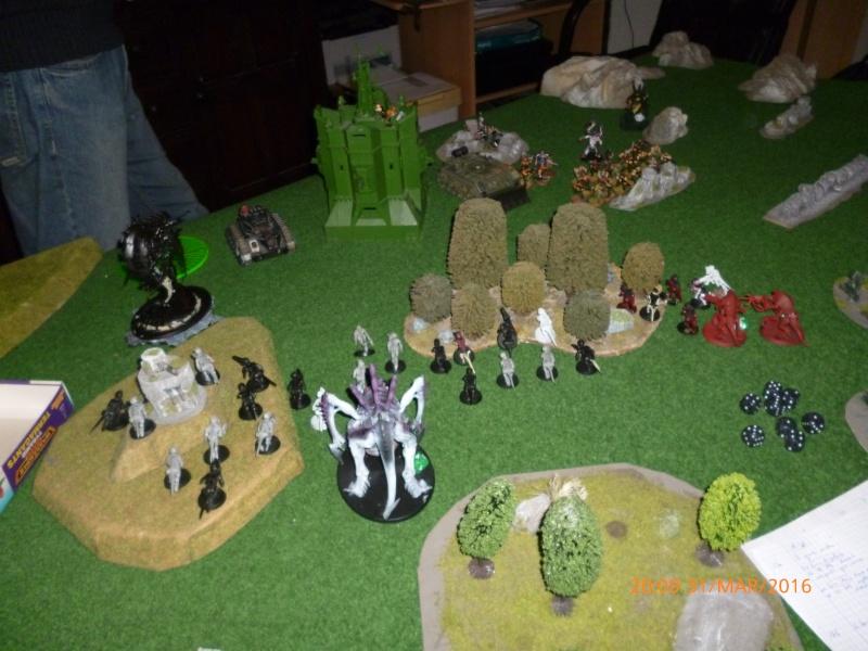 Mini-campagne en cours : L'attaque de la planète Gryphonys VII (Tyranides VS GI) P1030619