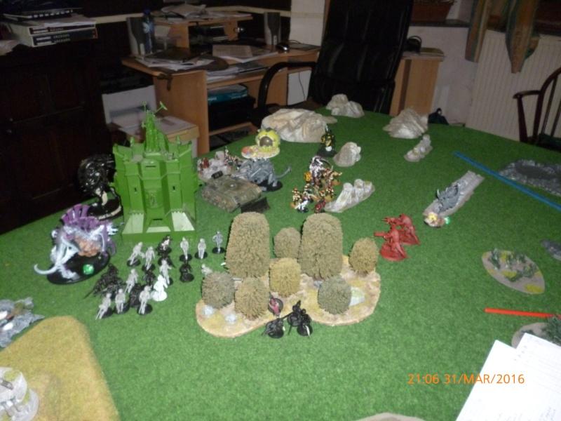 Mini-campagne en cours : L'attaque de la planète Gryphonys VII (Tyranides VS GI) P1030710