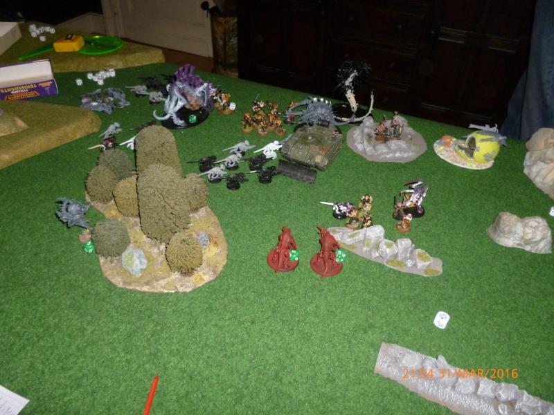 Mini-campagne en cours : L'attaque de la planète Gryphonys VII (Tyranides VS GI) P1030711