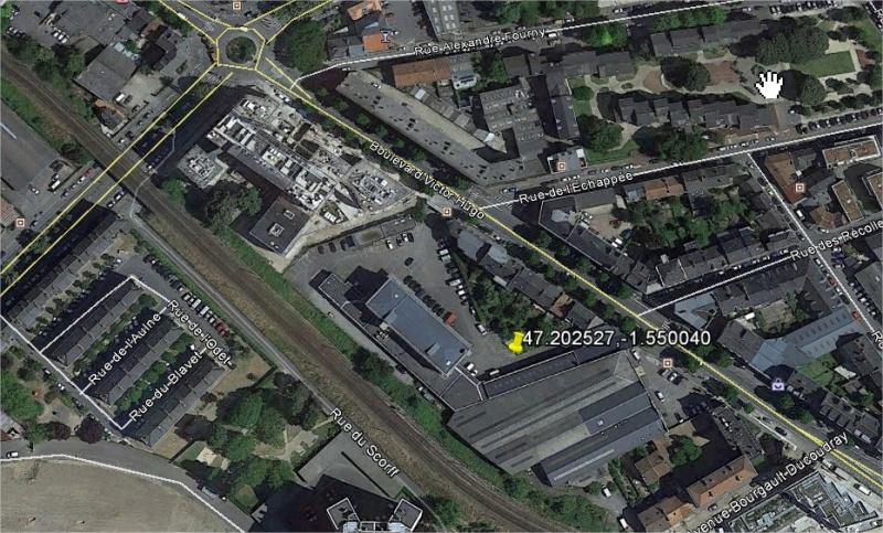 rouges - 2014: le13 octobre  /vers 22h30  - 4 grosses lumières rouges  Ovnis à Nantes (44) Pays de Loire -  - Page 3 Nantes12