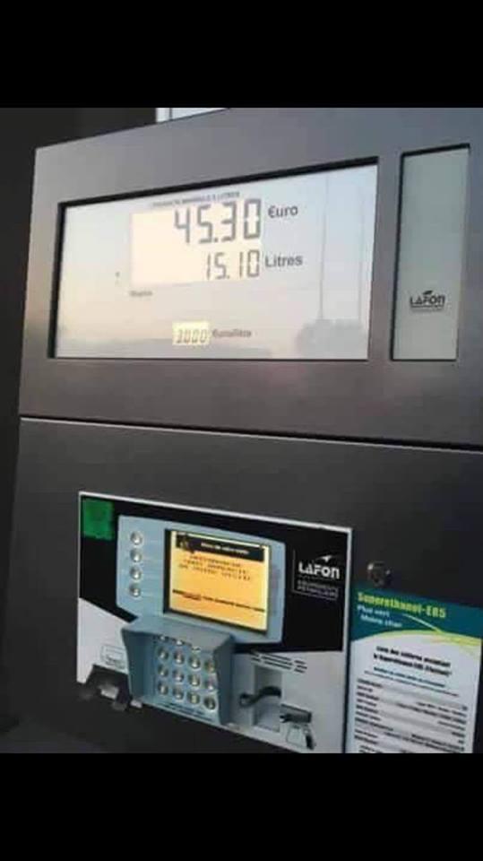 long trajet en France pénurie carburant 13256010
