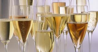 Un verre de champagne. ..pour tout le monde!!! MAJ post1 8/07 Verres10
