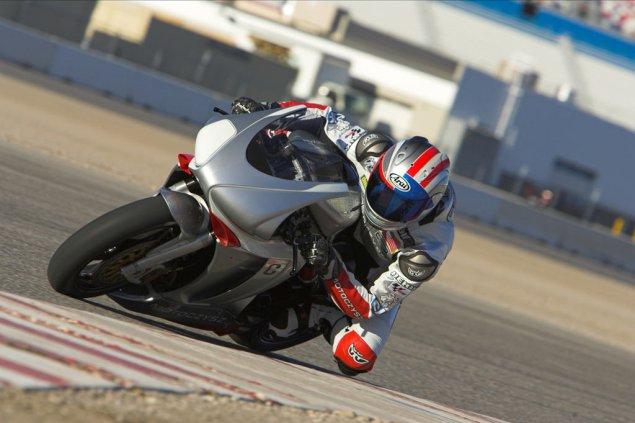 [Road Racing] TT 2016 - Page 2 Michae10