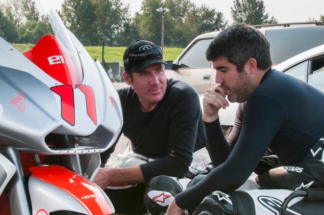 [Road Racing] TT 2016 - Page 2 Michae12