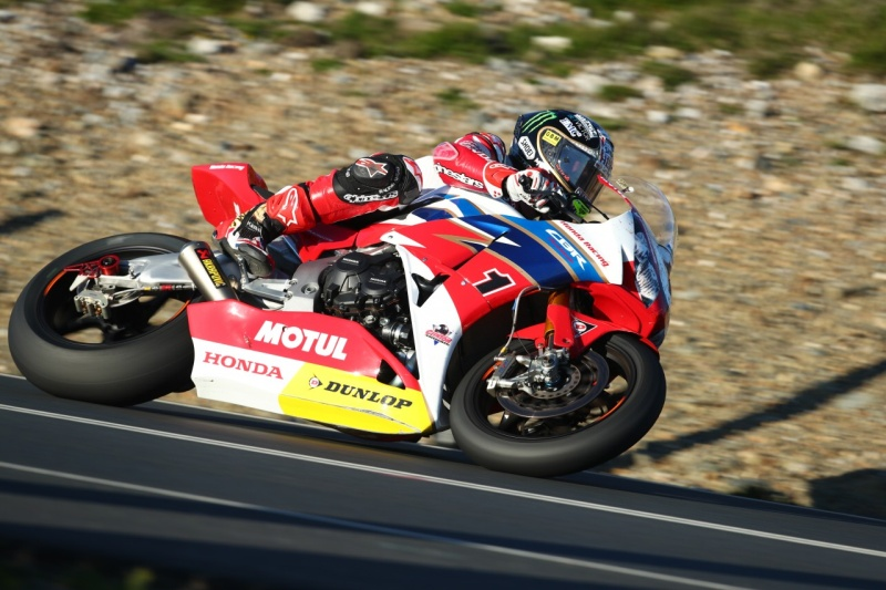 [Road Racing] TT 2016 - Page 11 5751cb11