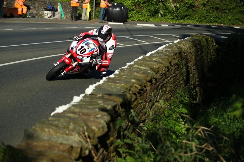 [Road Racing] TT 2016 - Page 11 5751cc10