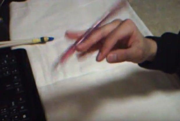 [Jeu] A qui appartient cette (jolie) main? - Page 33 Manpin11