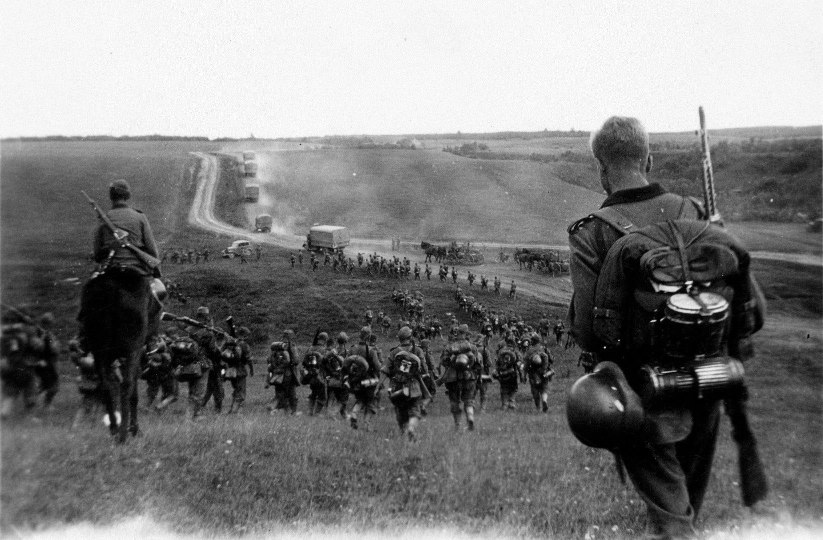 Diverses photos de la WWII - Page 30 21415010